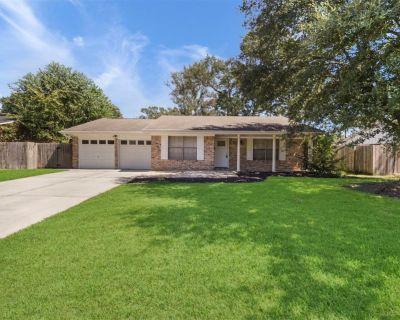 435 Castlebar Court, Houston, TX 77015