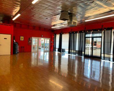 Studio for Dance I Fitness I Yoga I Workshops I Rehearsals I Photoshoots, Costa Mesa, CA