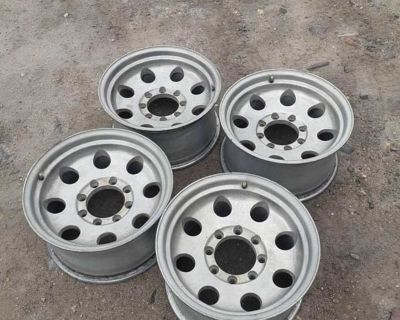 17x9 rims. 8 bolt ford/dodge/chevy rims. 8 x 6.5 pattern. Cane on my 2nd gen cummins but I'm going a different route.
