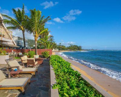 Sandy Beachfront Home Tiki Bar/Hot Tub/Bdrm AC/Kayaks/Laundry/Parking. - Hauula