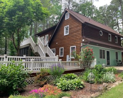 Lakefront Double Cottages Sleep 17 (shared sandy beach and dock area) - Henrico