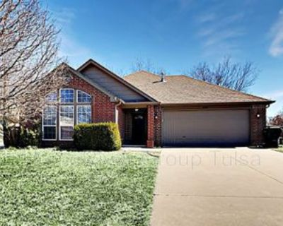 8929 N 155th East Ave, Owasso, OK 74055 3 Bedroom Apartment