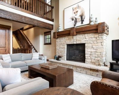 Alluring Cottage, Silver Star #33, with private hot tub - Park City
