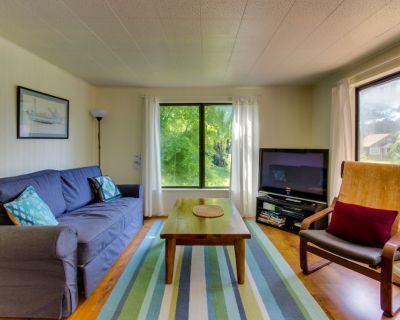 Cozy Home w/ Private hot Tub, Near Ridge Trail and Golf! - Gearhart