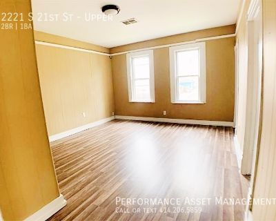 Fully updated 2BR Split Level Unit on the South Side