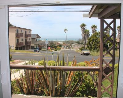 Adorable Beach Cottage! Close to Downtown shopping and Restaurants! - Morro Bay