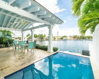 4 Bed House w/ Heated Pool and Dock - 4 Min. to KW - Raccoon Key