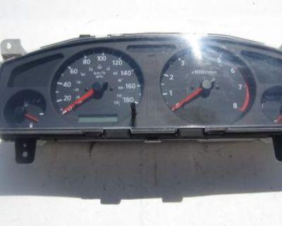 98-01 Nissan Pathfinder Speedometer Instrument Cluster Gauge