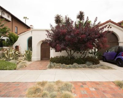Spanish Villa A+ location for tourists & families - Beverly Grove