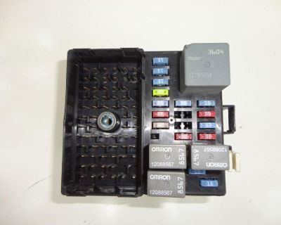 03 Chevy Impala Fuse Relay Box Junction Center W/fuses Relays Rh Passenger Side
