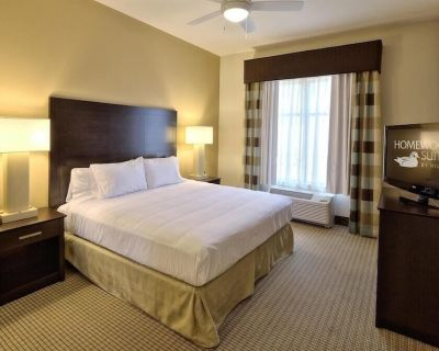 2 Connecting Suites with 3 beds and 2 sofabeds at a Full Service Hotel by Suiteness - Victoria County