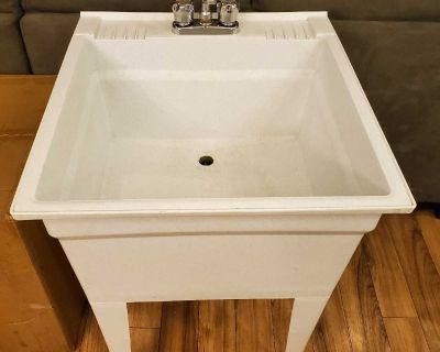 Laundry/Utility Room Sink