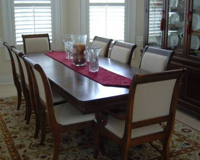 Dining Room set: Table chairs and china hutch- beautiful set