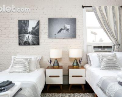 $1800 studio in Metro Los Angeles