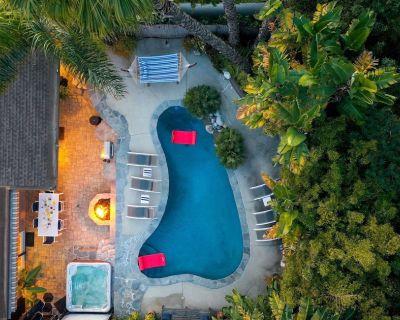 Las Flores by AvantStay | Malibu Oasis w/ Fire Pit, Pool & Stunning Ocean Views - Eastern Malibu