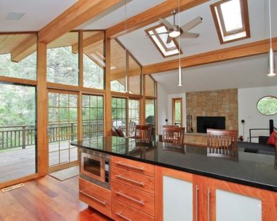 Charming Creekside Mtn Retreat-minutes from Pearl street, hiking, CU campus! - Boulder County