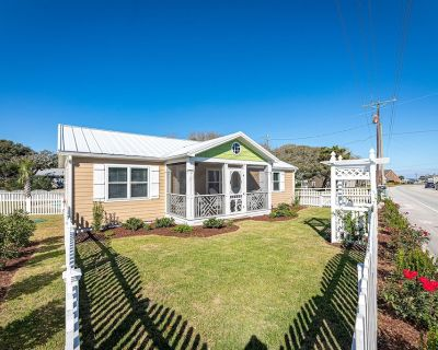 Newly Remodeled Charming Beach Cottage with Private Pool in Historic Salter Path - Salter Path