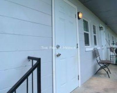 516 Sunset Dr #25, Orlando, FL 32805 2 Bedroom Apartment