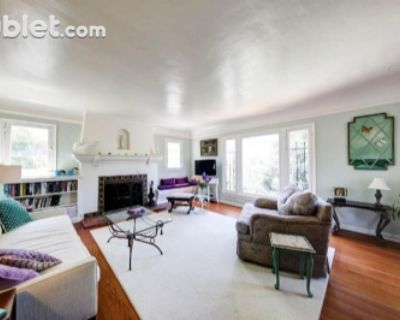 $4350 2 apartment in West Los Angeles