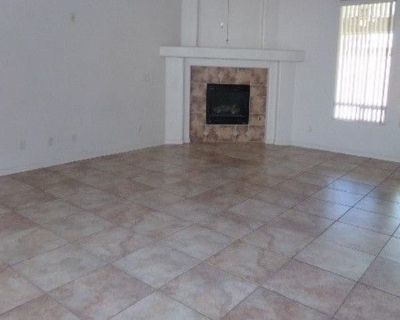 Private room with own bathroom - Alamogordo , NM 88310