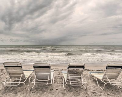NEW! Gulf Getaway w/ Porch + Direct Beach Access! - Longboat Key