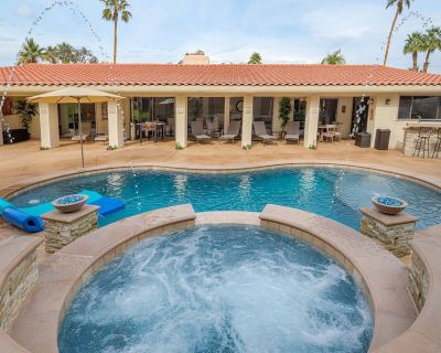 Desert Paradise Vacations - Steps to El Paseo W/ Pool, Spa, Fire Pit, Bbq - Palm Desert