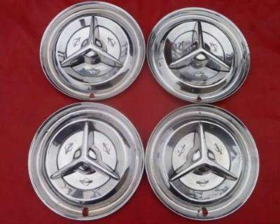 Accessories - Oldsmobile: 1956 Olds Fiesta Spinner Hubcaps