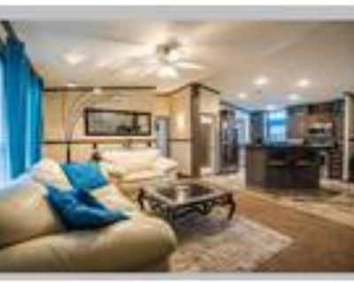 Manufactured home on leased land in, Euless, TX