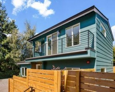 10213 40th Ave Sw #C, Seattle, WA 98146 3 Bedroom House