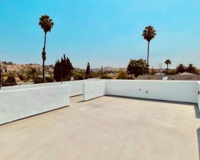Modern Loft ADU near DTLA + Dodger Stadium, Los Angeles, CA