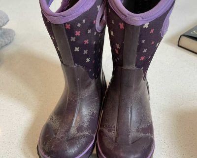 Bogs winter boots size 10