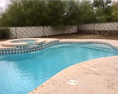 Spacious Home w/Heated Pool - El Paso