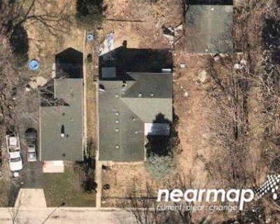 1.0 Bath Foreclosure Property in Waukegan, IL 60085 - Helmholz Ave