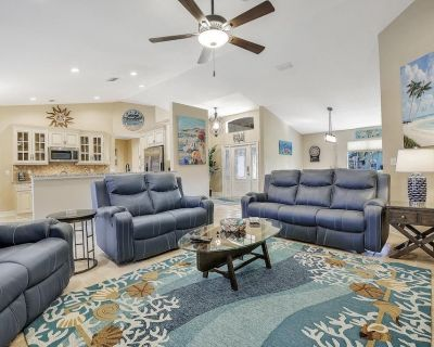 Luxury Modern Gulf Access Pool Home With Large Tiki Hut Close to Tarpon Point - Pelican