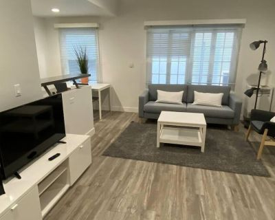 Studio Luxury Apartment in Beverly Hills by Just Bring Your Toothbrush - Beverly Hills