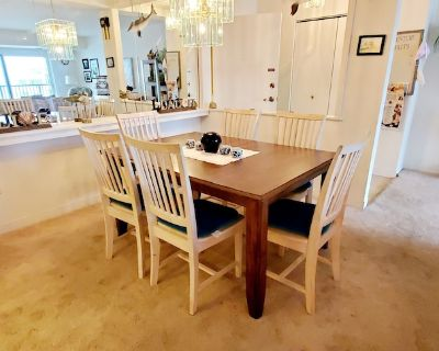 LINENS & DAILY ACTIVITIES INCLUDED! OCEANFRONT/BOARDWALK BUILDING W/ROOFTOP POOL . ****NOW WITH SMART TV AND UPGRADED, HIGHSPEED INTERNET!!**** - Rehoboth Beach