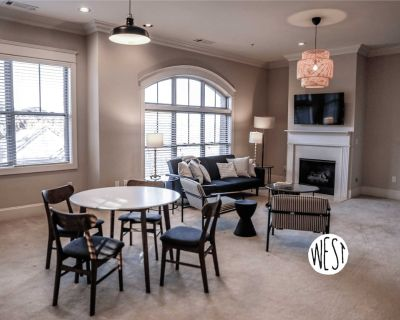 West Home | Hotel Style Suite w/ Gym, Pool, and Cozy Beds - Old Fourth Ward