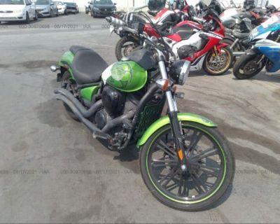 Salvage Green 2014 Kawasaki Vn900