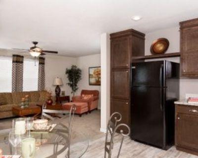 193 Parkwood Rd, Elgin, IL 60123 2 Bedroom House