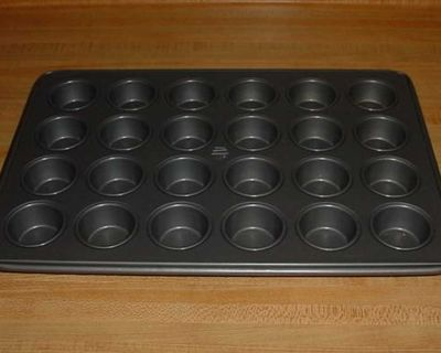 Gently Used MSE Martha Stewart Deluxe 24-Cup Non-Stick Mini Muffin Pan. Make 2 Dozen Of Your Favorite Two-Bite Muffins, Cupcakes, Tarts...