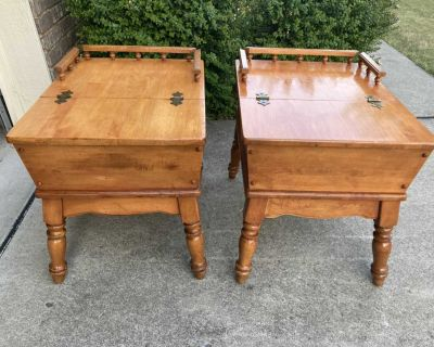 A beautiful MCM solid maple side table / nightstands