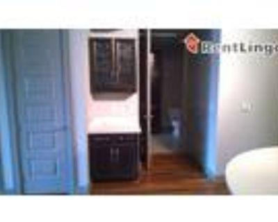 3 bedroom 1233 Jackson St