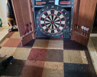 dart board works, needs power supply.