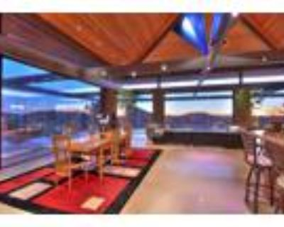 Contemporary Masterpiece with Amazing Views