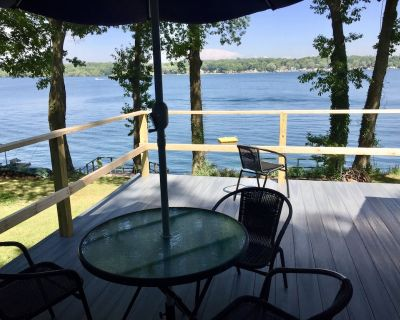 Remodeled Waterfront Cottage with Views of Little Sodus Bay and Lake Ontario - Sterling