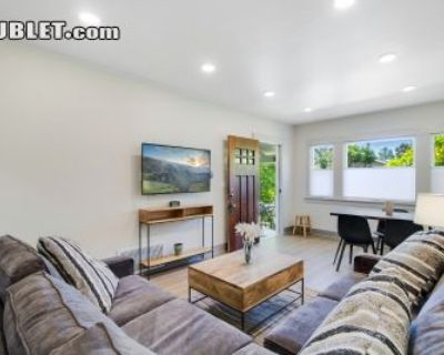 $3490 2 townhouse in Alameda County