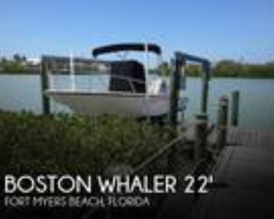 22 foot Boston Whaler 220 Dauntless