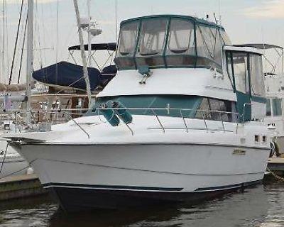 1993 34' Silverton Aft Cabin Motor Yacht