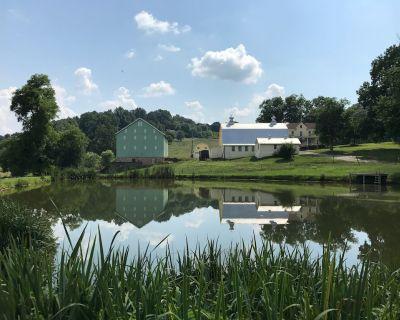 Great Family Retreat at Private Farmhouse - Urbana
