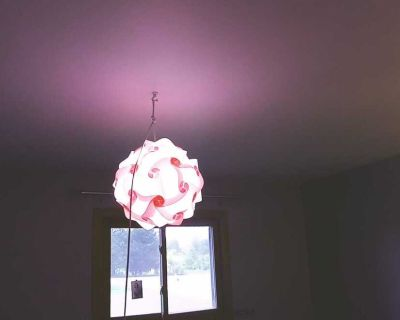 Hanging plug in lamp